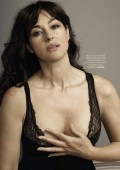 Моника Белуччи обнажилась для итальянского журнала