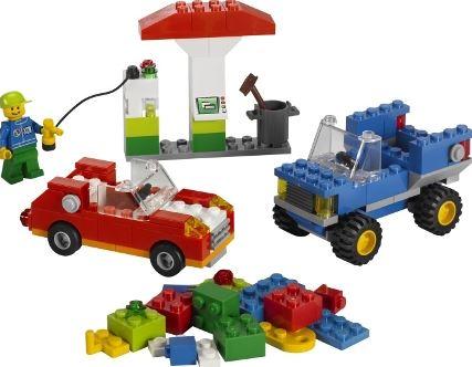 Как выбрать детскую игрушку для мальчика?