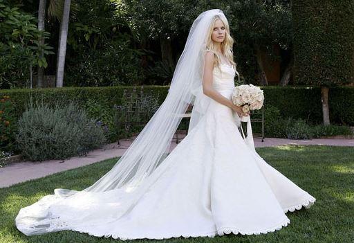 Выбрать свое свадебное платье среди многообразия на рынке